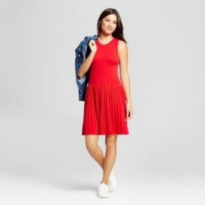 Dresses & Skirts - Red Sleeveless textured sweater dress